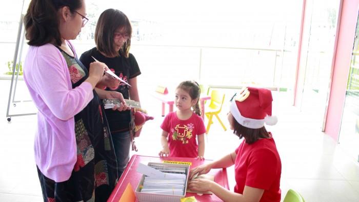 Christmas-charity-fair-2016-1