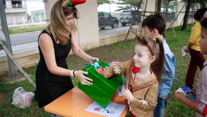 Christmas-charity-fair-2016-19