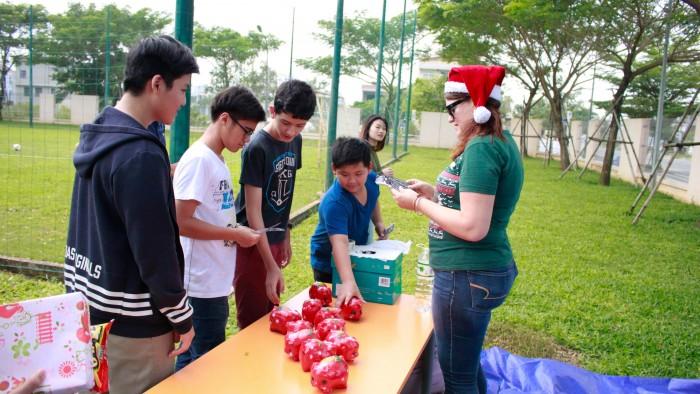 Christmas-charity-fair-2016-21