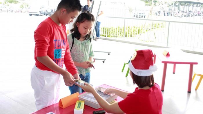 Christmas-charity-fair-2016-3