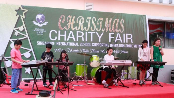 Christmas-charity-fair-2016-35