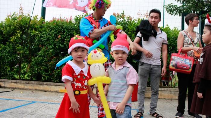 Christmas-charity-fair-2016-36