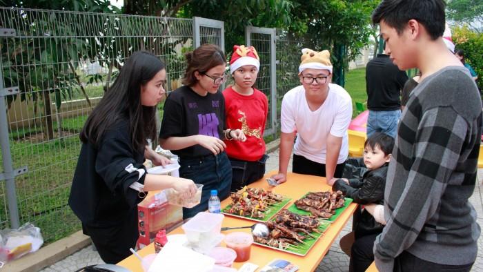Christmas-charity-fair-2016-38