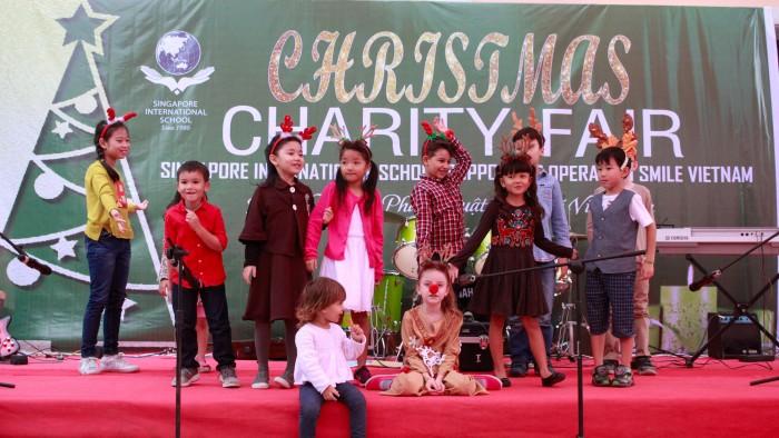 Christmas-charity-fair-2016-41