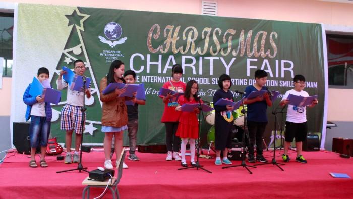 Christmas-charity-fair-2016-47