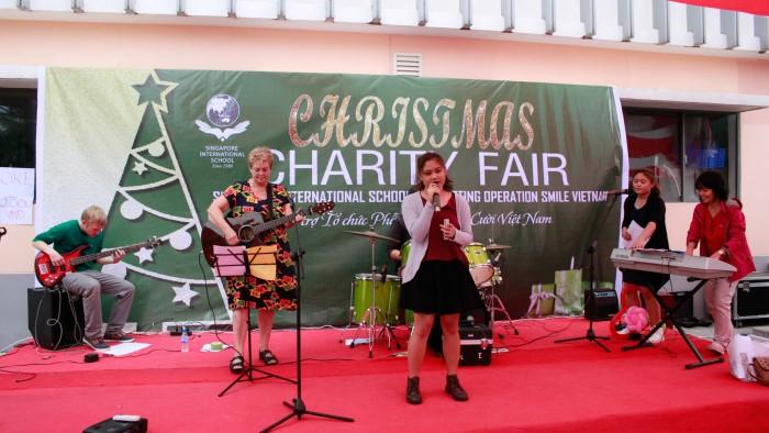 Christmas-charity-fair-2016-52