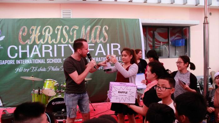 Christmas-charity-fair-2016-53