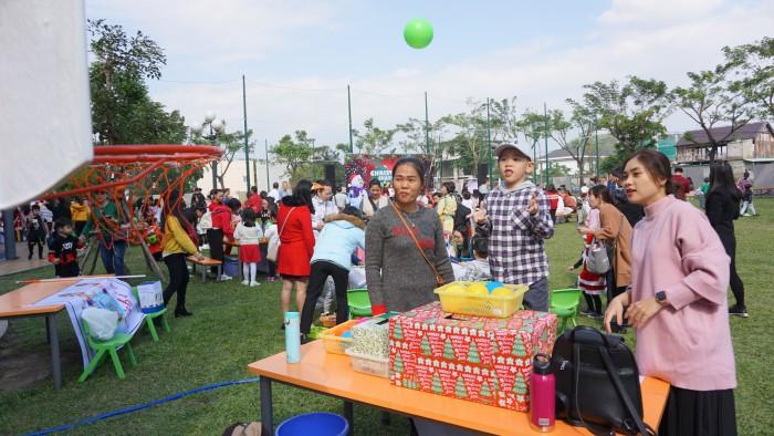 Christmas Charity Fair (22)