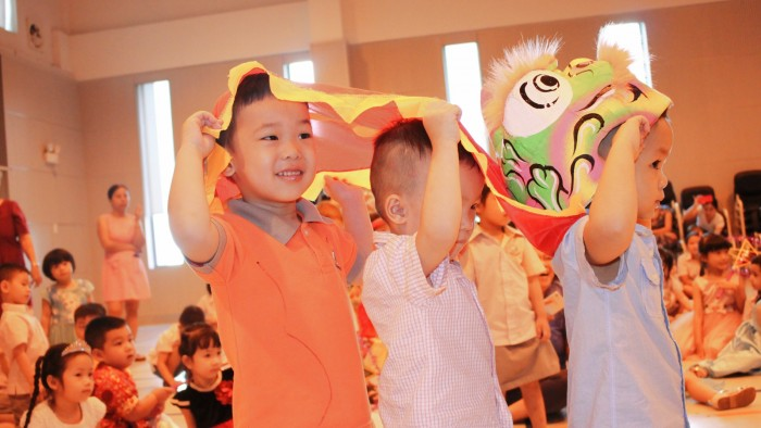 Kindergarten children held a special assembly (5)
