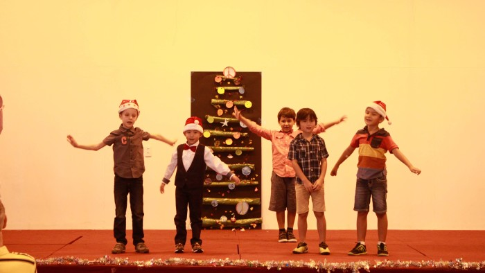 Student Performance during the Christmas Charity Fair (4)
