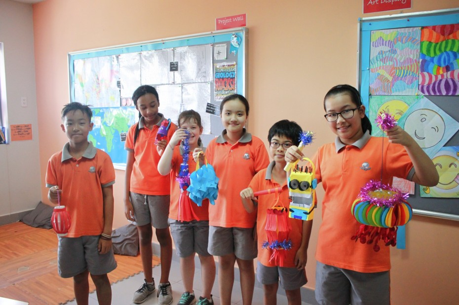 Students made Lanterns (1)
