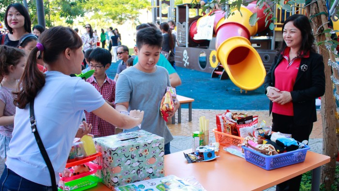 Various Games and Stalls attracted participants of all ages (11)