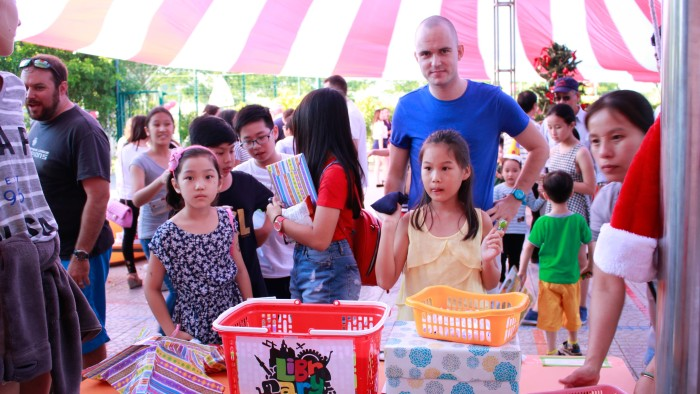 Various Games and Stalls attracted participants of all ages (9)
