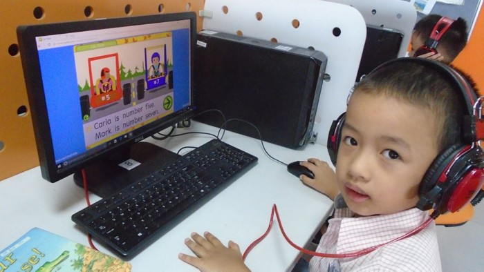 Students love using technology (2)